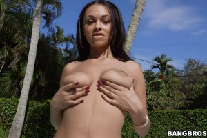 Bethany Benz-(BB)